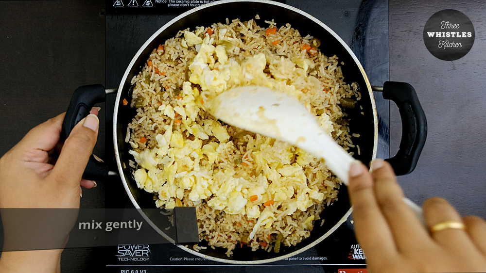 indian egg fried rice gently mix