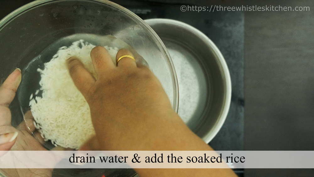add rice to boiling water