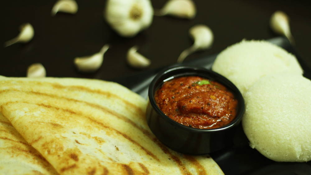 garlic chutney with dosa and idly for breakfast